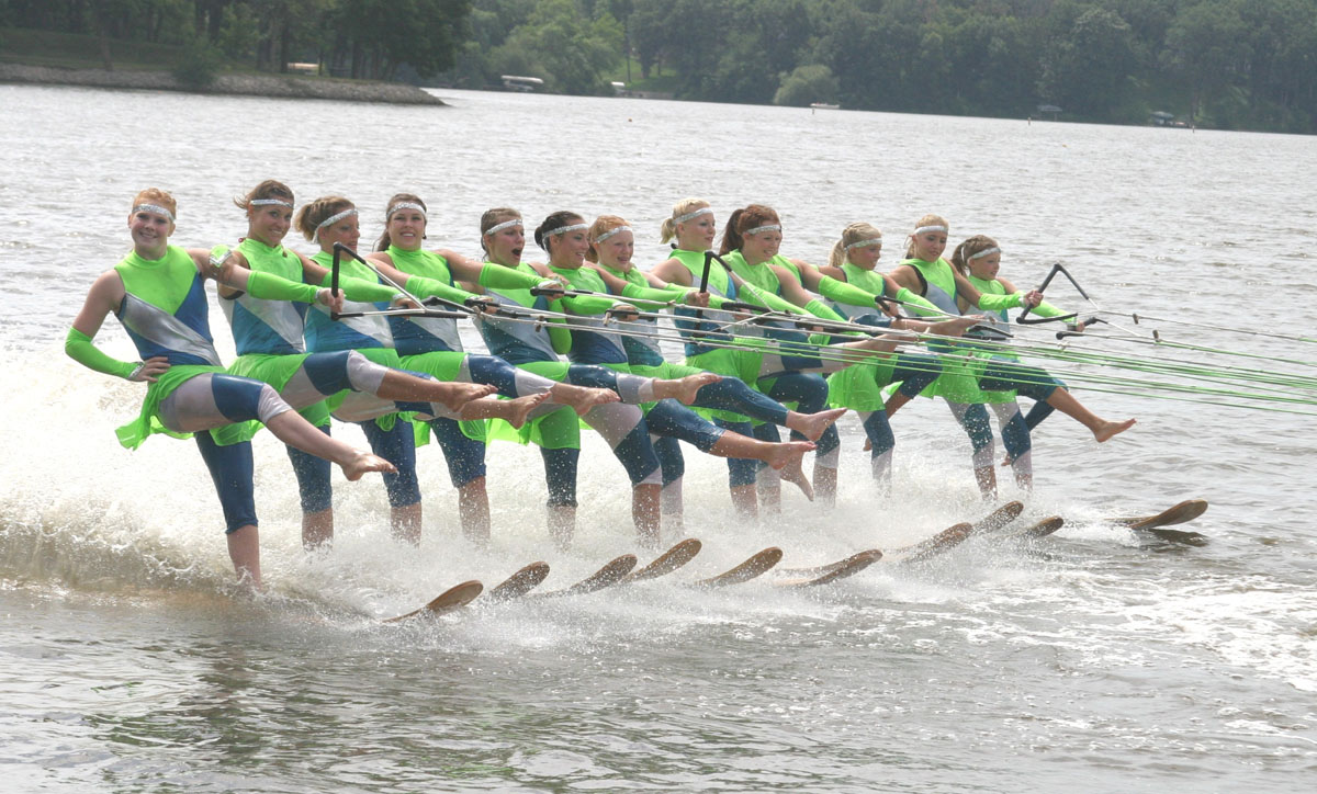 Aberdeen Aqua Addicts Water Ski Team Ballet Line